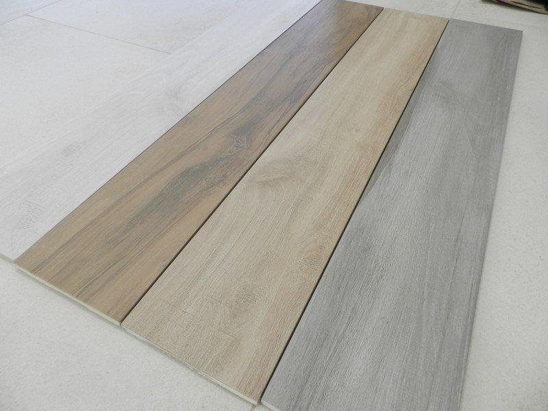 Gres porcellanato effetto legno 15x90 1 scelta for Piastrelle bagno tuscania