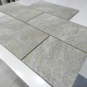 gres porcellanato effetto pietra per esterni R11